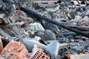 ruim 8.000 varkens komen om bij brand in megastal Rheine (D)
